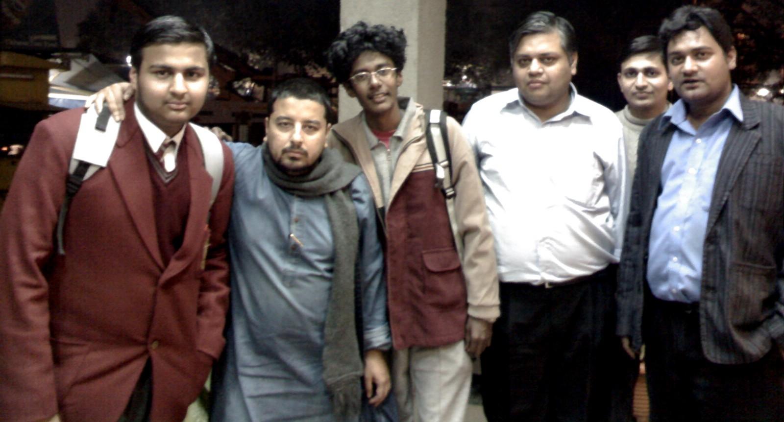 From L to R: Prateek Vijayavargia, Parnab Mukherjee, Jimi Hendrix (Prashanth), Arindam Bhattacharya (Cradle Sports), Unkown Cradle Sports Guy, Anirudh Sharma (Cradle Sports)