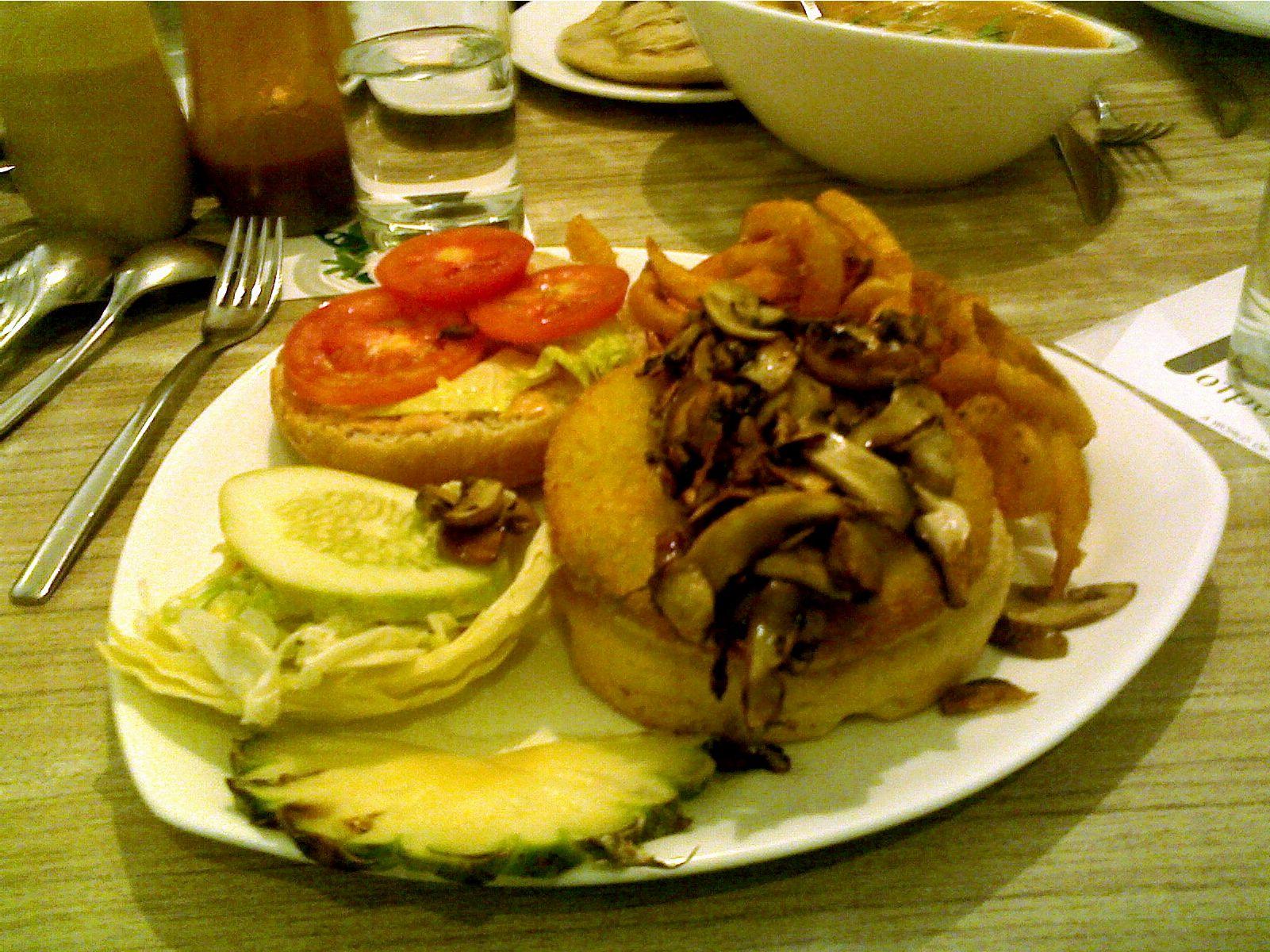 Gourmet vegetable burger